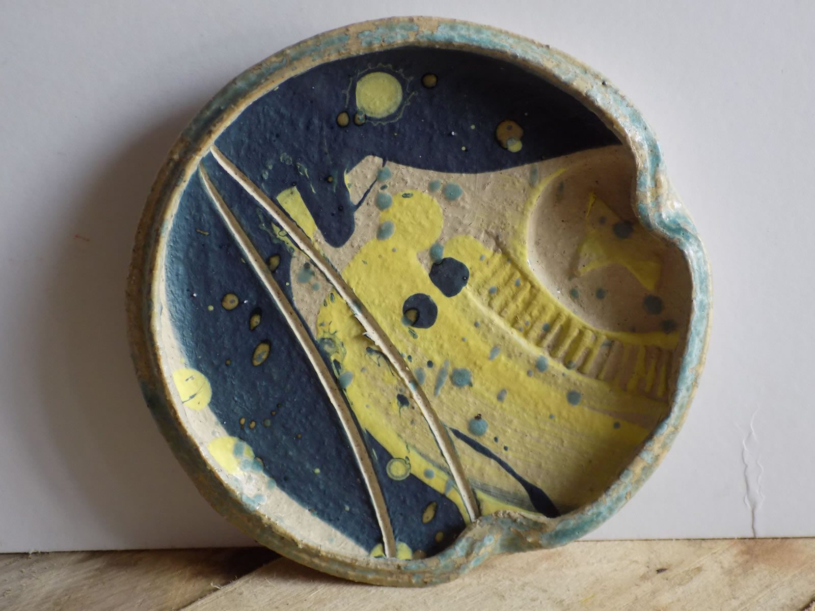 Stoneware plate by East Yorkshire ceramicist Stewart Taylor
